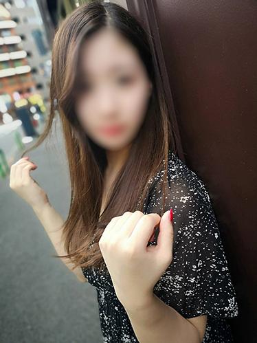 【新人】黒髪スレンダーの逸材美少女♪